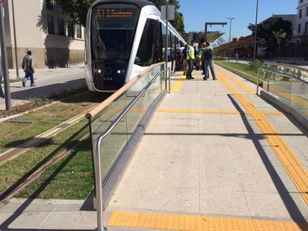 Ponto de ônibus com acessibilidade