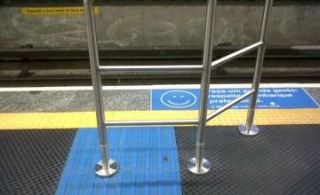Piso tátil metrô de São Paulo