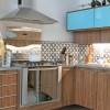 Ladrilho hidráulico na pia da cozinha