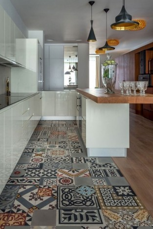Ladrilho hidráulico estilo tapete na cozinha